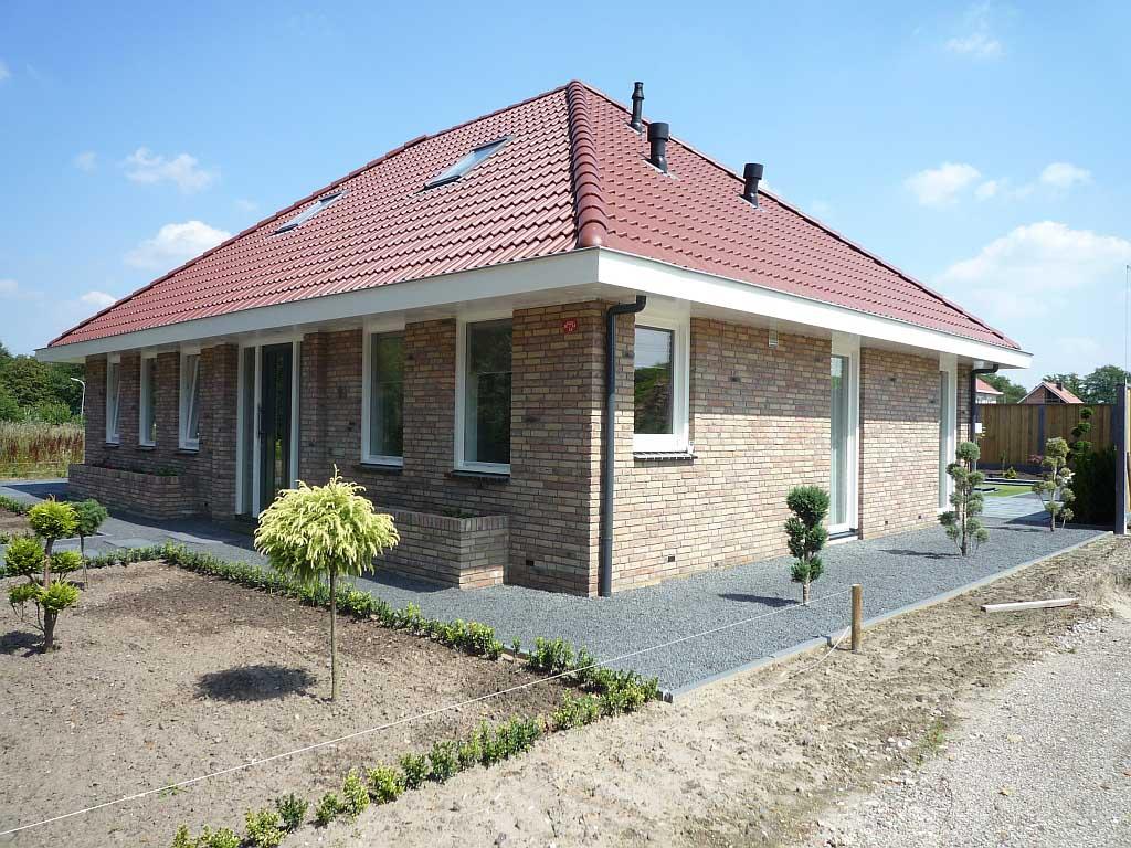 Ontwerp eigentijds nieuwbouw huis enschede schaepers bouwontwerp - Spiegelt eigentijds ontwerp ...
